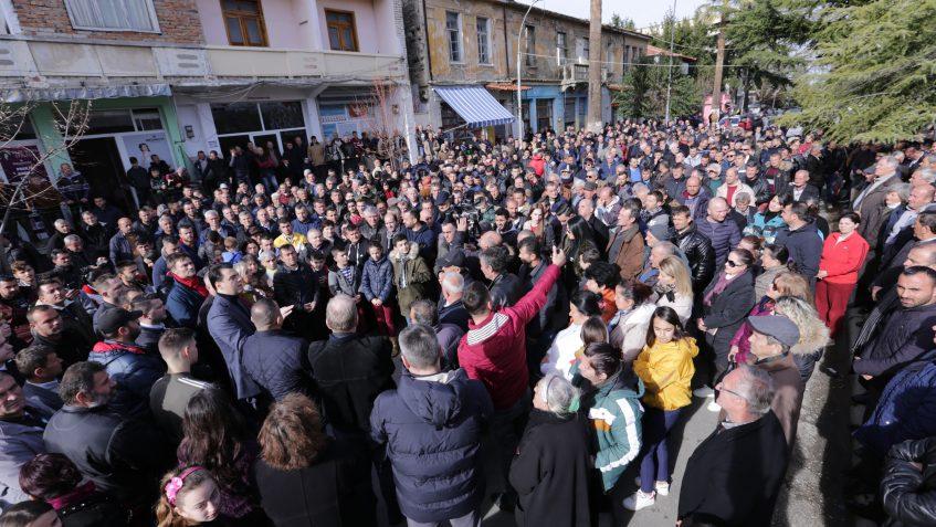 16 shkurti nuk është si një ditë tjetër proteste. Shqiptarët zgjidhin kontratën Edi Ramën.