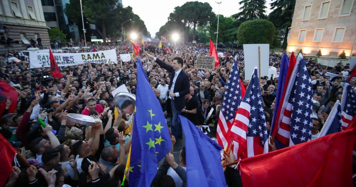 Basha: Protesta e 25 majit, madhështore. Rama ik! Hapi rrugë zgjidhjes politike