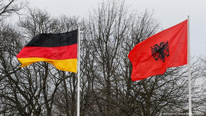 German Parliament approves opening of EU accession negotiations with Albania but sets a number of conditions.