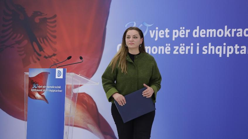 """""""Nuk ka për të marrë një mandat tjetër"""", PD i përgjigjet Ramës: Shqipëria ka ngecur me Edi Ramën. Në 25 Prill votohet për ndryshim."""