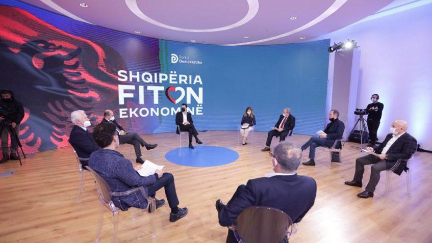 Kryetari Basha i prezanton programin Shqipëria Fiton, prodhuesve shqiptarë: Taksë e sheshtë 9%, ulje e kontributeve shoqërore në 18% duke zbatuar kështu parimin e taksës së sheshtë si një parim që do të nxisë rritjen ekonomike, do të nxisë punësimin.