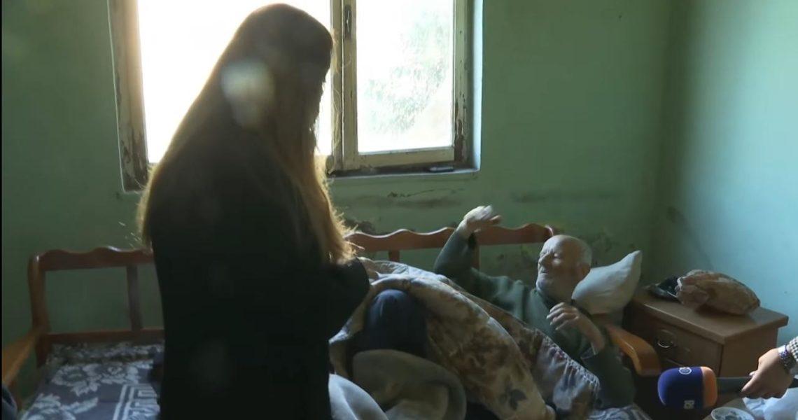 Albana Vokshi me invalidin të cilit shteti i hoqi KEMP-in: Kjo sjellje kriminale merr fund në 25 prill.