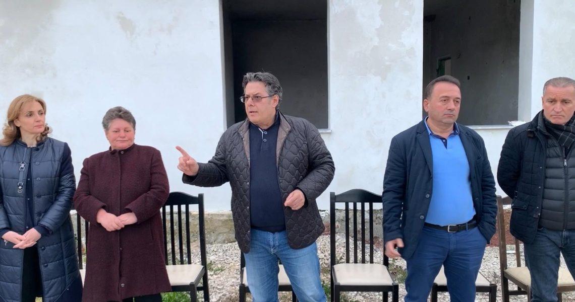 Edi Paloka në Derven, Fushë Krujë: Dështimi me rindërtimin, pas gati 2 vjetësh, njerëzit akoma pa shtëpi. Të largojmë qeverinë e mashtrimit në 25 Prill.