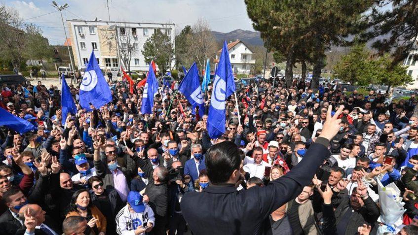 Basha pritet me entuziazëm në Kukës: Ora e llogarisë po vjen. 25 prilli është dita e ndryshimit.