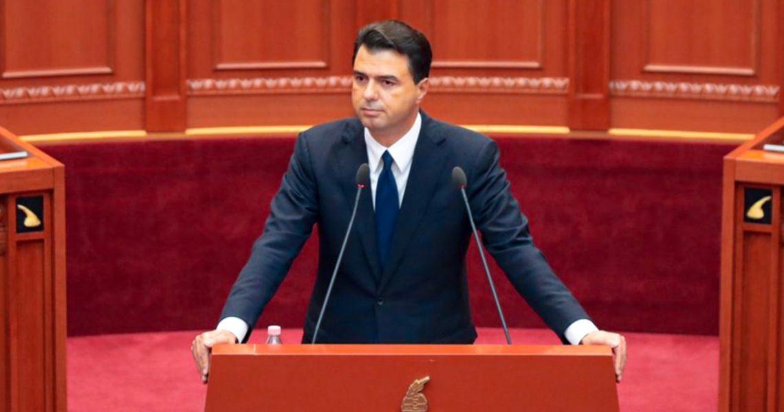 Basha: Demokracia shqiptare ka vdekure: Ulni kokën dhe kërkoni ndjesë për varfërinë që i keni shkaktuar shqiptarëve.